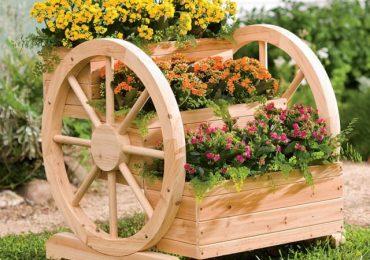 Колело от каруца като украса в градината – съвети и снимки
