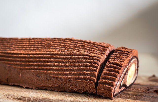 Шоколадово руло с банан – вкусно и красиво!