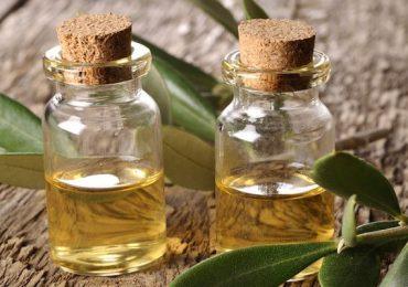 Маслото от чаеното дърво използвайте при ангина, кожни гъбички и въшки! Вижте рецепти за лечение с масло от него!