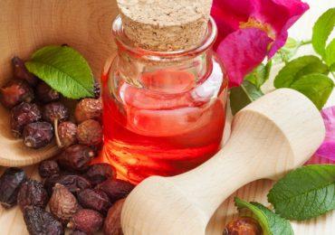 Маслото от гаултерия облекчава болки в гърба, навехнати крайници и още…Прочетете рецепти за лечение с него!