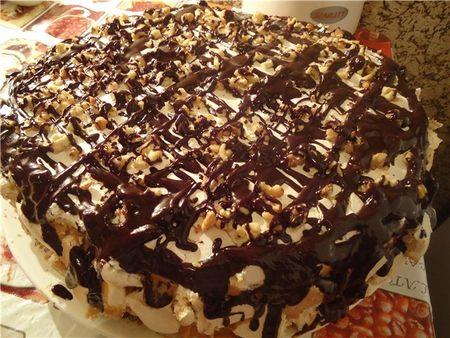 Така се прави торта Сникърс стъпка по стъпка със снимки