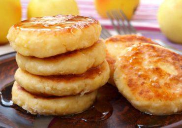 Бърза закуска с ябълки – бухти на тиган