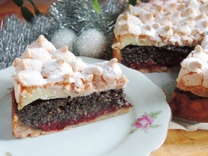 Невероятно вкусна торта с череши, маково семе и орехи