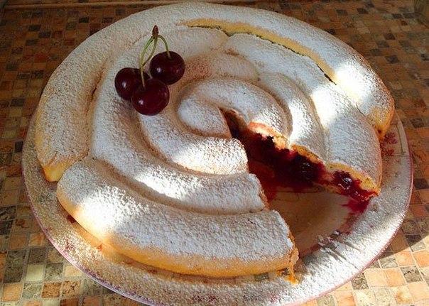 """Черешов пай """"Охлюв"""" – красив и вкусен десерт!"""