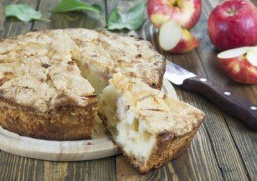 Най-обичаният сладкиш с ябълки и извара за деца и възрастни – опитайте!