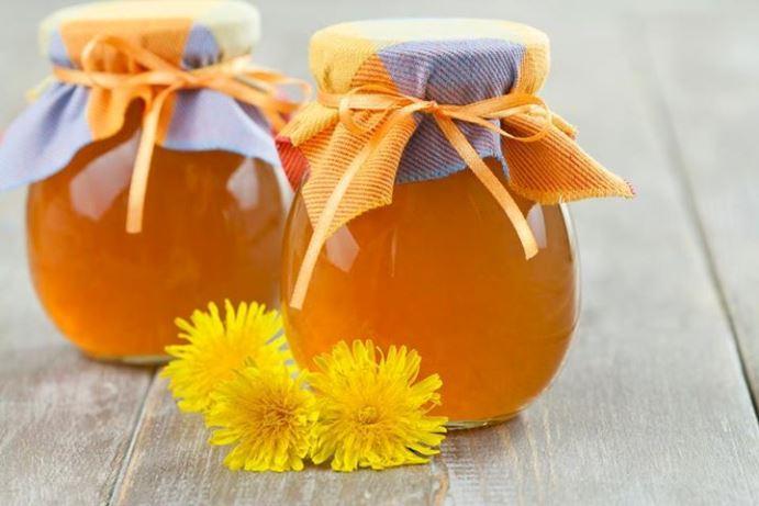 """Ето я и рецептата за така наречения """"мед"""" от глухарче и защо всъщност това не е мед"""