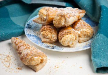 Фунийки от бутер тесто с белтъчен крем или пълнеж по ваше желание