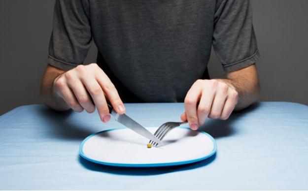 Лечението с глад е помогнало на много хора, болни дори от рак! Какво представлява и два варианта за хранене по дни!