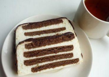 Вкусен десерт с бисквити и извара –лесна торта правоъгълен паралелепипед без печене