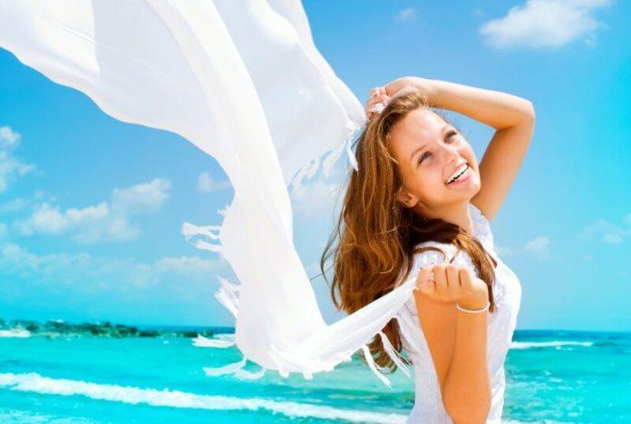 Перфектна коса за летния сезон – ето как да я запазим здрава и красива и да съхраним блясъка и цвета й!