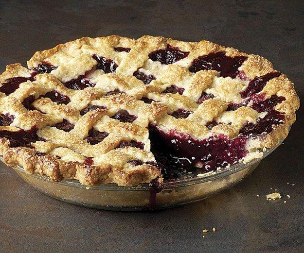 Закрит плодов пай с дребни плодчета – касис, малини, къпини, боровинки или каквото ви се яде…