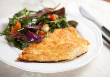 Панирано пилешко филе с галета и сирене – зашеметяващо свеж вкус! (подробно със снимки)
