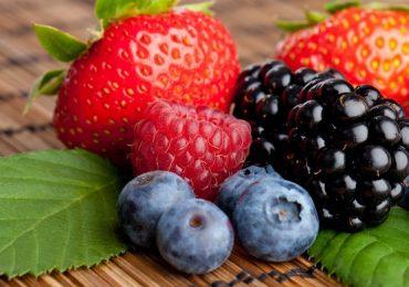Дребните плодчета и техните полезни свойства – изчистват тялото ни от токсини, подобряват работата на мозъка и още…