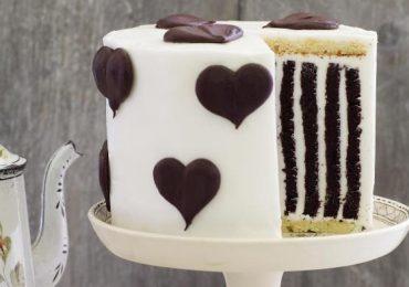 Специална шоколадова торта с бял крем – уникално красива и зашеметяващо вкусна!