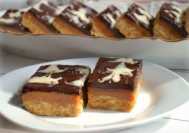 Бисквити с карамел и шоколад – просто удивителен десерт без печене