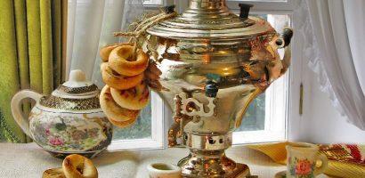 Пиенето на черния и зеления чай се прави по различни традиции в света. Сега можете да научите къде по света как си приготвят чая