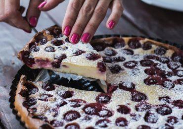 Клафути с череши е класически френски десерт – подробна рецепта със снимки