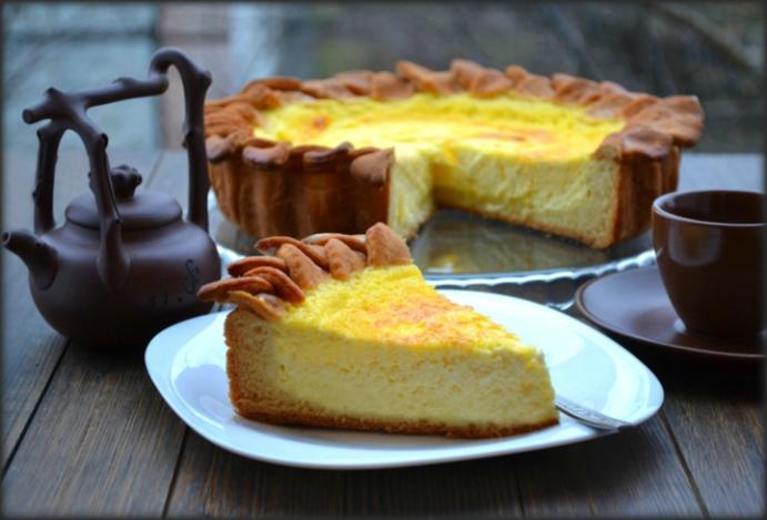 Киш с яйца и сметана – невероятно изкушение с нежен пълнеж за един прелестен лек десерт
