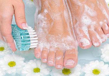 Мирис на краката? Ето как лесно да се справите с натурални средства!