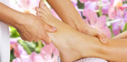 Рефлексологията е лечение чрез натиск върху определени точки на ходилата