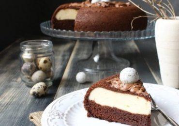 Шоколадова торта с бял крем готова на раз, два, три – вкусна, мека, с деликатен сладък пълнеж от извара