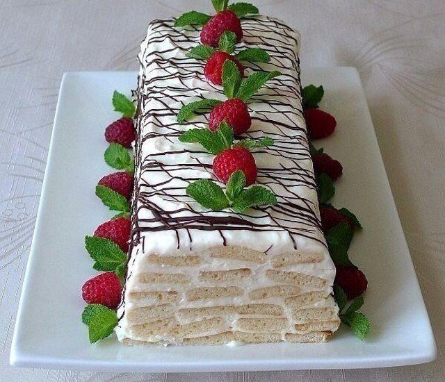 Торта от медени тестени ленти и сметанов крем – нежен, мек и много приятен десерт