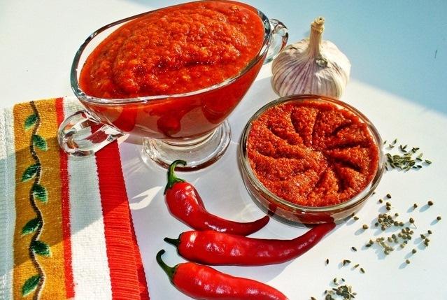 Още апетитки – чудесни и вкусни с люти чушлета различни видове, с варене и без пържене