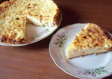Десерт с ябълки, стафиди и извара – разкошно творение, което не се прави трудно