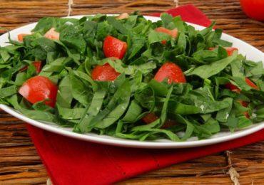 Домати и спанак – как са по-полезни – готвени или сурови?