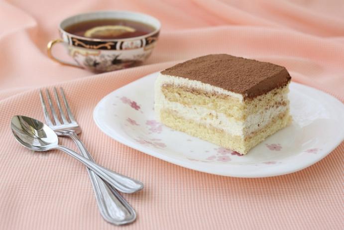 """Нежна торта """"Снежинка"""" – сладко лакомство с минимални усилия – ето как се прави"""
