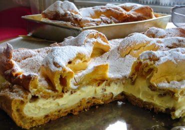 Голям еклер в тава – деликатен и вкусен десерт, просто да си оближете пръстите!