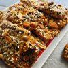 Сладкиш с ядки от ронливо пясъчно тесто – много вкусен десерт!