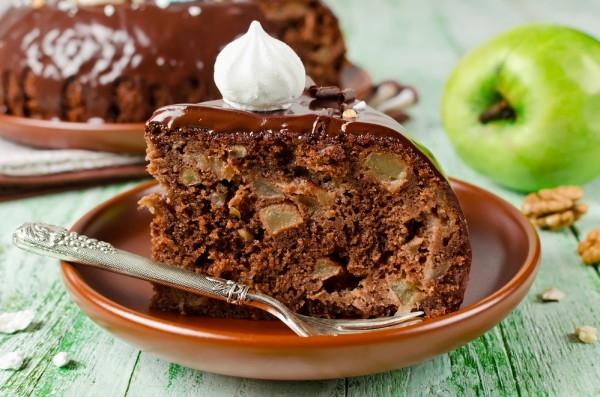 Шоколадов кекс с парченца ябълки – великолепен десерт – подробна стъпка по стъпка рецепта със снимки