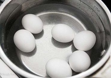 Това е най-важната съставка, за да не се пукат яйцата при варене