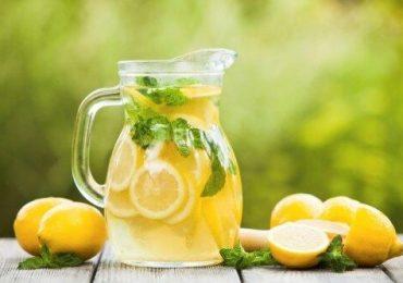 Разбиха 4 мита за ползите от лимоновата вода