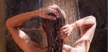 Горещият душ може да ви избави от редица здравословни проблеми
